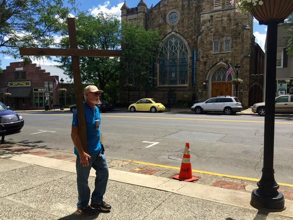 Donald Duncan on Heal America Walk Carrying Cross 500 Miles