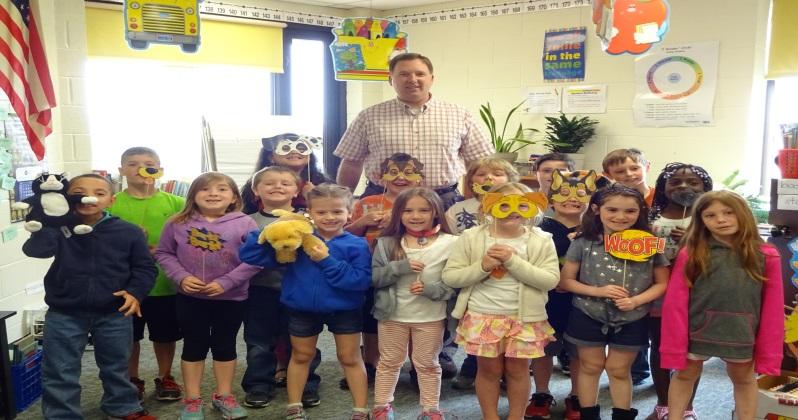 Mr. Fohringer's 1st Grade Class Enjoying_1463109359948.jpg