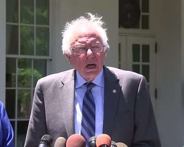 Sanders at the White House_20160609180712