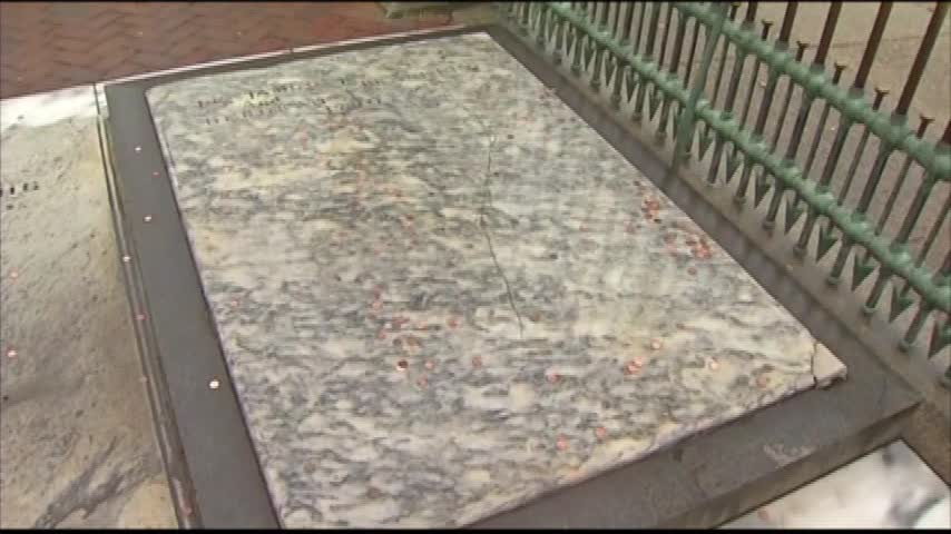 Ben Franklin Grave Update_86188797-159532