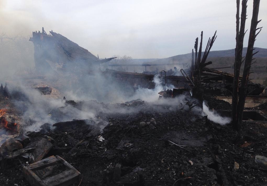 vialhill_fire_aftermath2_1482368254614.jpg
