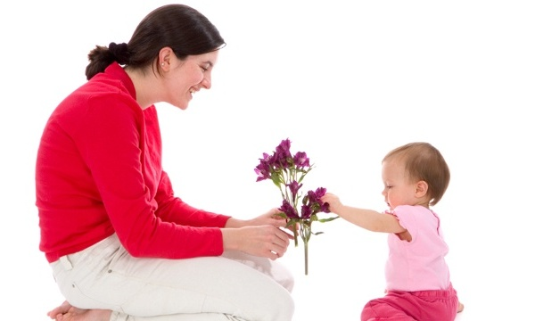 Mothers-Day-with-baby-jpg_166831_ver1_20161215073932-159532