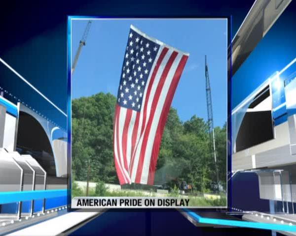 Giant Flag 11 am_76832535