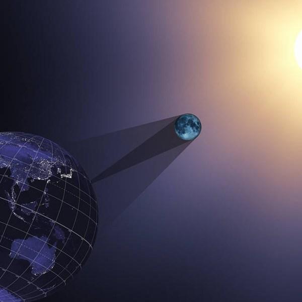 sun_earth_eclipse- cropped_1502827520571-159532.jpg95865903