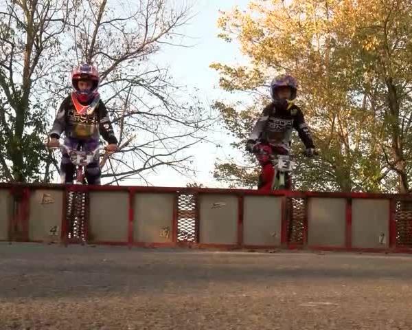 GIRL POWER BMX Racers_49302074