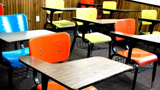 School desks_3546720298974138-159532