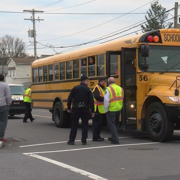 School_bus_hit_and_run_0_20181130042607