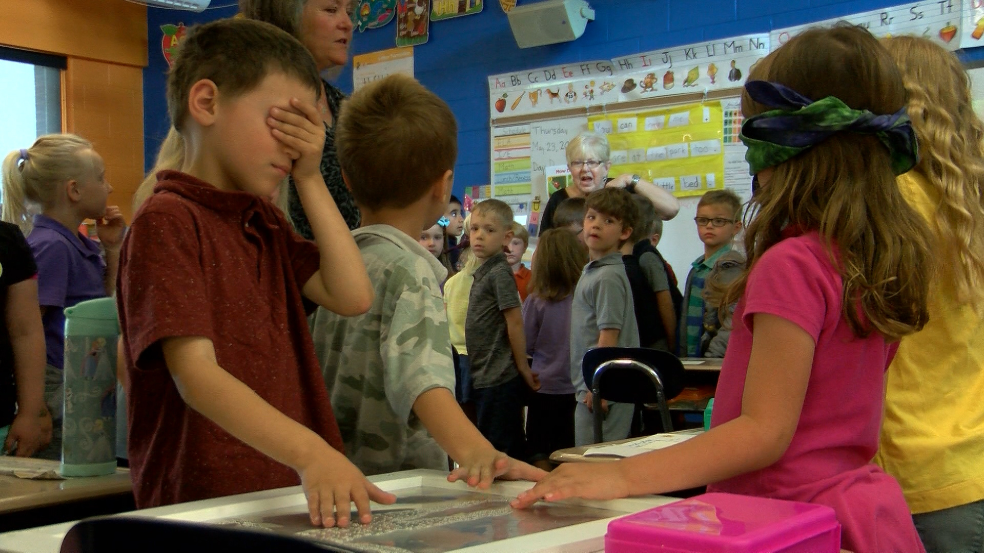 The Arts Barn teaches students about Braille Art